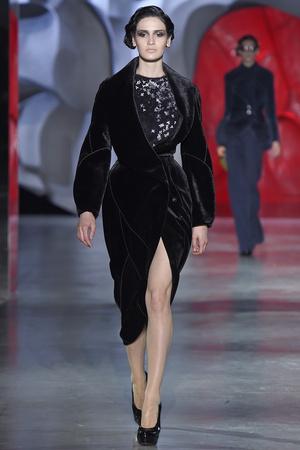 Показ Ulyana Sergeenko коллекции сезона Осень-зима 2014-2015 года haute couture - www.elle.ru - Подиум - фото 584982