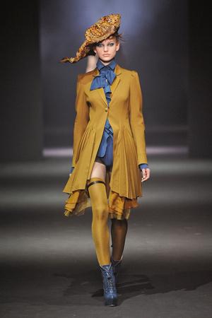 Показы мод John Galliano Осень-зима 2012-2013 | Подиум на ELLE - Подиум - фото 1416