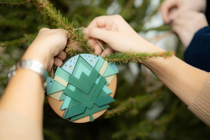 Как наряжать елку разным знакам Зодиака (фото 29)
