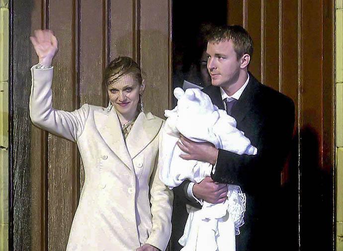 Мадонна с Гаем Ричи и сыном Рокко