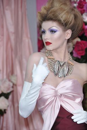 Показ Christian Dior коллекции сезона Весна-лето 2010 года haute couture - www.elle.ru - Подиум - фото 138475