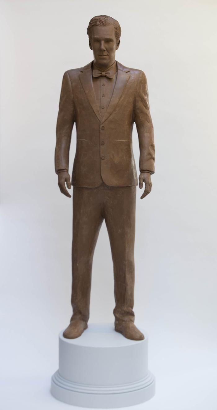 Статуя Бенедикта Камбербэтча