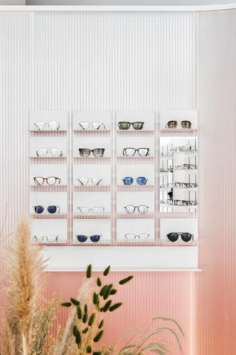 Розовый магазин оптики в Санкт-Петербурге (фото 7.2)