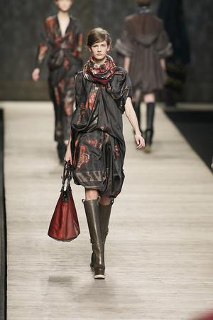 Показы мод Kenzo Осень-зима 2009-2010 | Подиум на ELLE - Подиум - фото 3121