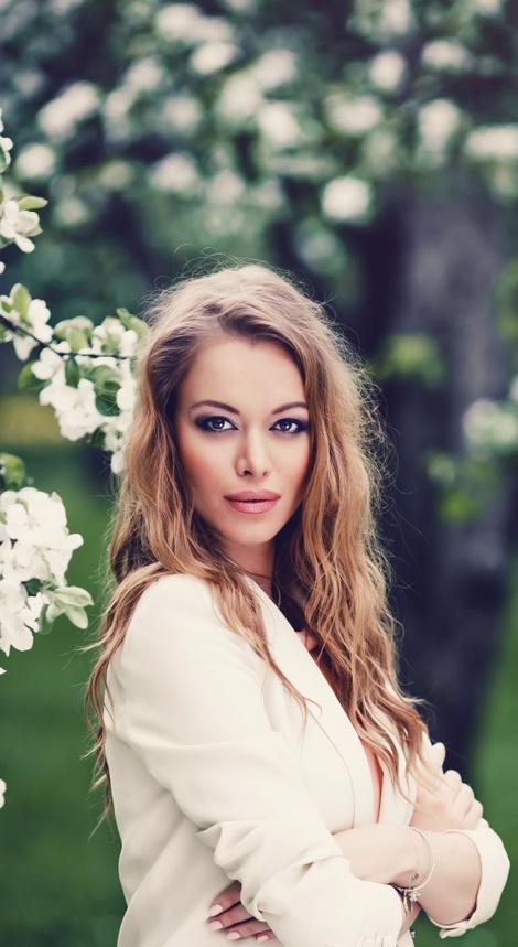 A LA RUSSE Anastasia Romantsova