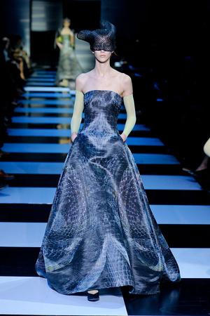 Показ Giorgio Armani Privé коллекции сезона Весна-лето 2012 года Haute couture - www.elle.ru - Подиум - фото 331473