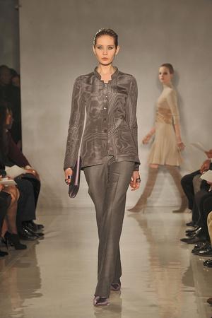 Показы мод Chado Ralph Rucci Осень-зима 2010-2011 | Подиум на ELLE - Подиум - фото 2883