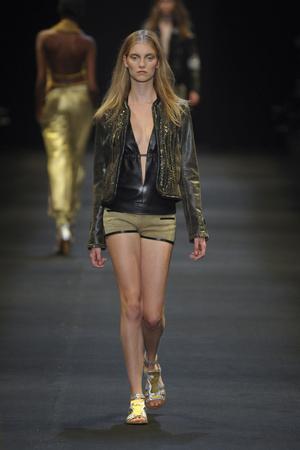 Показы мод Barbara Bui Весна-лето 2011 | Подиум на ELLE - Подиум - фото 2515