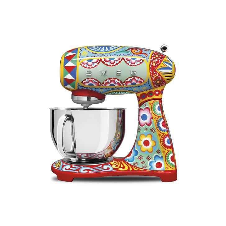 Кухонная техника от Dolce&Gabbana и SMEG