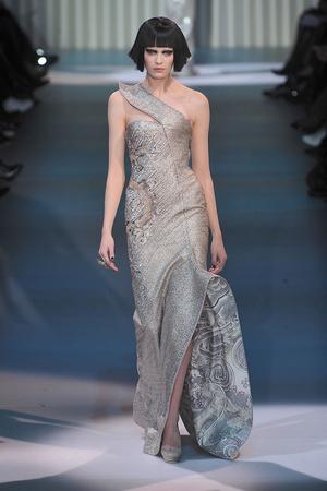 Показ Giorgio Armani Privé коллекции сезона Весна-лето 2009 года Haute couture - www.elle.ru - Подиум - фото 86756