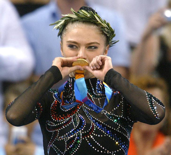 Алина Кабаева с Олимпийским золотом