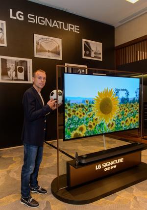 Новая рекламная кампания LG Electronics с Денисом Глушаковым (фото 1.1)