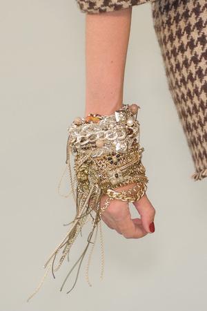 Показ  коллекции сезона Осень-зима 2010-2011 года haute couture - www.elle.ru - Подиум - фото 167766