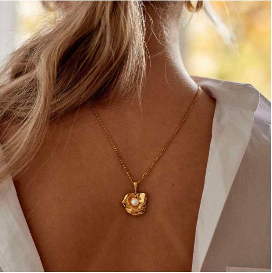 Шесть украшений с жемчугом, которые вам стоит подарить самой себе (фото 4)