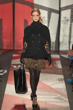 Показы мод DKNY Осень-зима 2009-2010 | Подиум на ELLE - Подиум - фото 3232