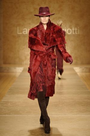 Показ Laura Biagiotti коллекции сезона Осень-зима 2011-2012 года prêt-à-porter - www.elle.ru - Подиум - фото 246886
