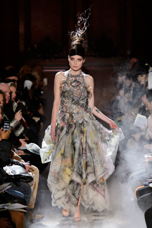 Показ Franc Sorbier коллекции сезона Весна-лето 2015 года haute couture - www.elle.ru - Подиум - фото 593395