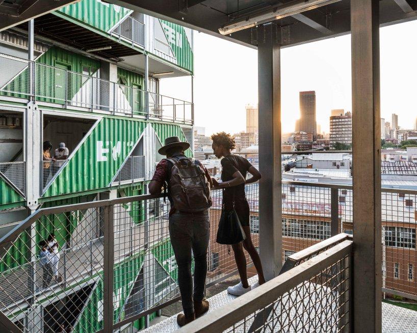 Дома из грузовых контейнеров: вдохновляющие примеры (галерея 2, фото 0)