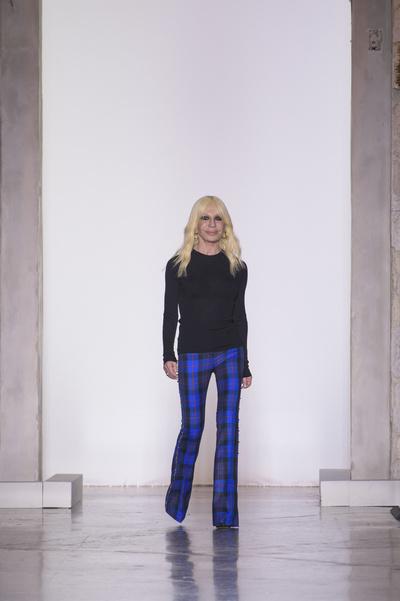 Наталья Водянова, Джиджи Хадид и Кайя Гербер на шоу Versace в Милане (галерея 1, фото 51)