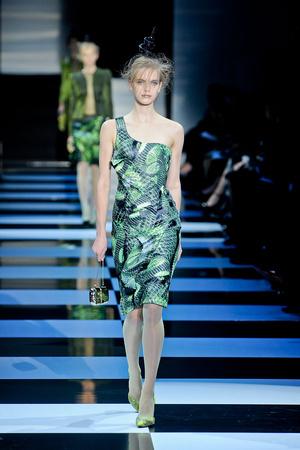 Показ Giorgio Armani Privé коллекции сезона Весна-лето 2012 года Haute couture - www.elle.ru - Подиум - фото 331481