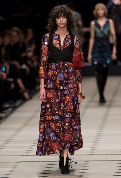 Показ Burberry Prorsum на Неделе моды в Лондоне | галерея [1] фото [36]