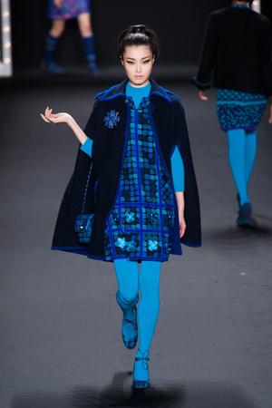 Показ Anna Sui коллекции сезона Осень-зима 2013-2014 года prêt-à-porter - www.elle.ru - Подиум - фото 493982