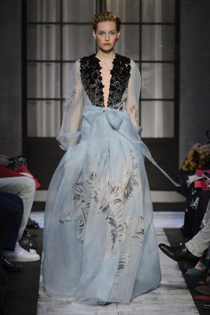 Показы мод Schiaparelli Осень-зима 2015-2016 | Подиум на ELLE - Подиум - фото 4318