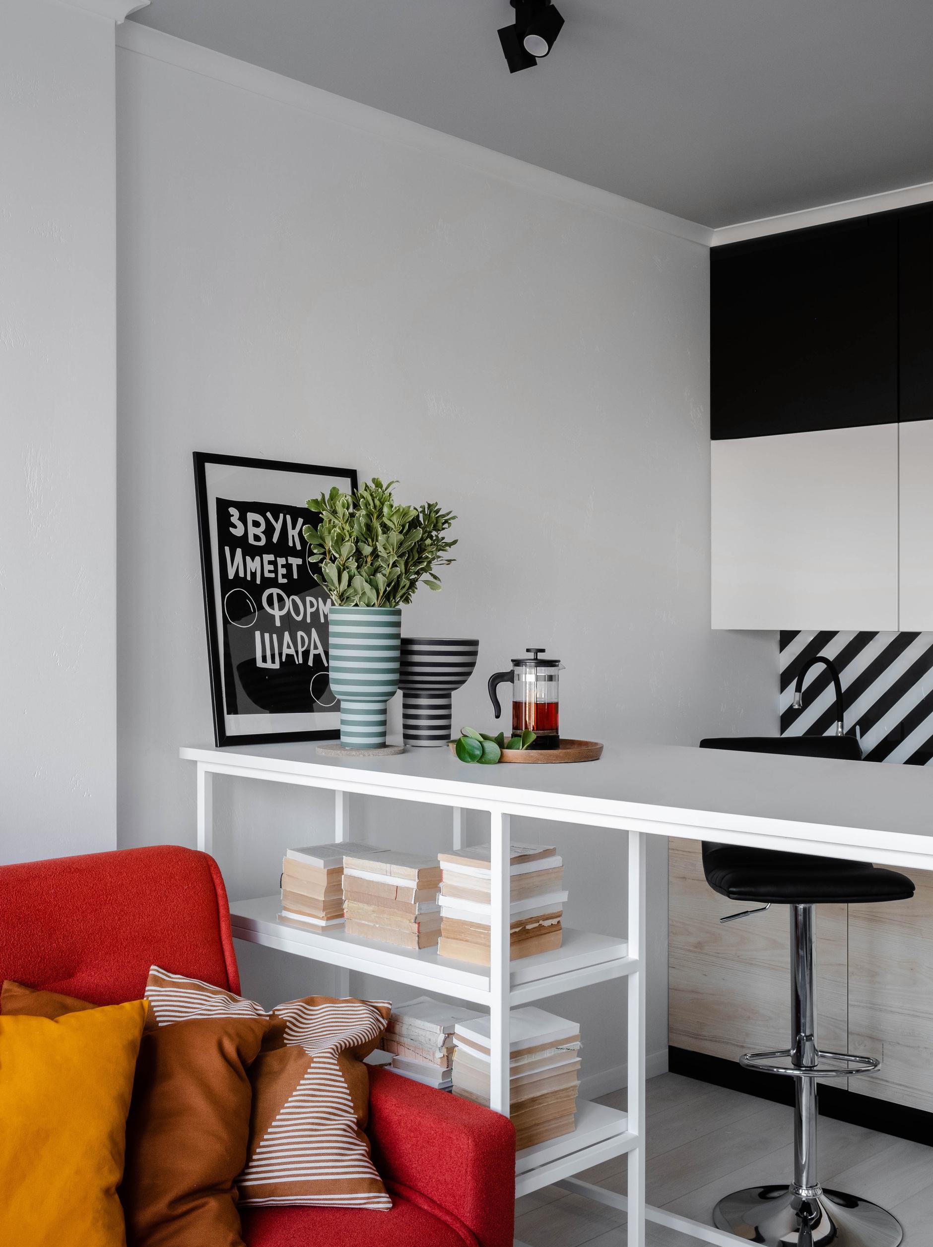 35+ проектов кухонь в маленьких квартирах (галерея 0, фото 4)