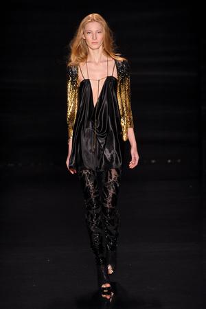 Показы мод Jenny Packham Осень-зима 2011-2012 | Подиум на ELLE - Подиум - фото 2379