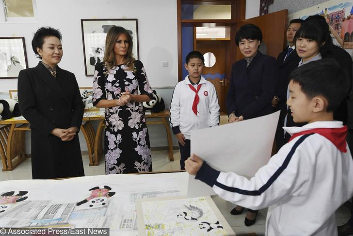 Роскошная Мелания Трамп на церемонии приветствия в Пекине фото [2]