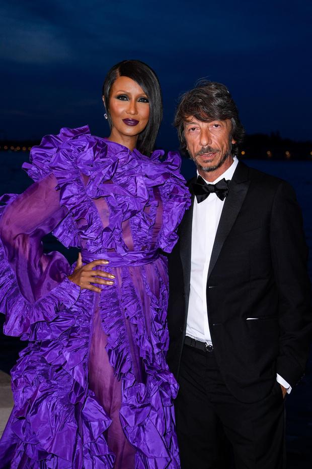 В оттенке дикой лианы: роскошная Иман в кутюрном Valentino (фото 2)