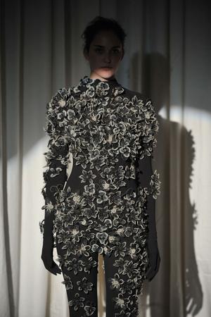 Показ Maison Martin Margiela коллекции сезона Весна-лето 2010 года haute couture - www.elle.ru - Подиум - фото 139131