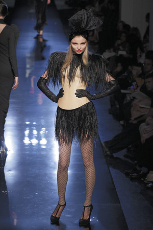 Показ Jean Paul Gaultier коллекции сезона Осень-зима 2010-2011 года Haute couture - www.elle.ru - Подиум - фото 168539