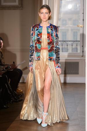 Показ Schiaparelli коллекции сезона Весна-лето  2017 года haute couture - www.elle.ru - Подиум - фото 616350