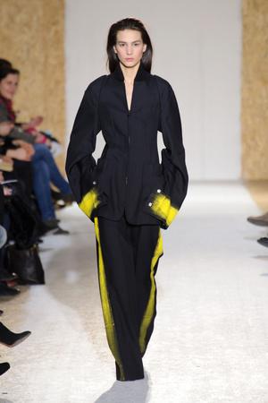 Показы мод Maison Martin Margiela Осень-зима 2013-2014 | Подиум на ELLE - Подиум - фото 630