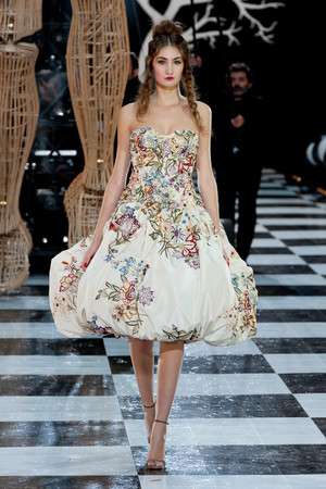 Показ Franc Sorbier коллекции сезона Весна-лето 2014 года Haute couture - www.elle.ru - Подиум - фото 575071