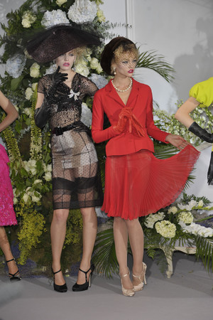 Показы мод Christian Dior Осень-зима 2009-2010 | Подиум на ELLE - Подиум - фото 3270
