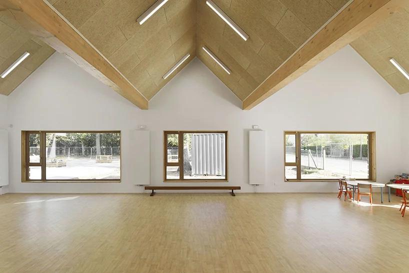 Деревянная школа на юге Франции от Tracks Architectes (галерея 7, фото 2)