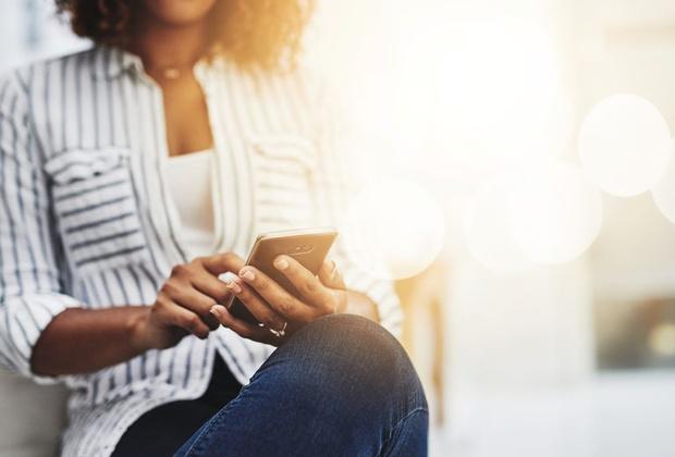 Как правильно дезинфицировать мобильный телефон и гаджеты