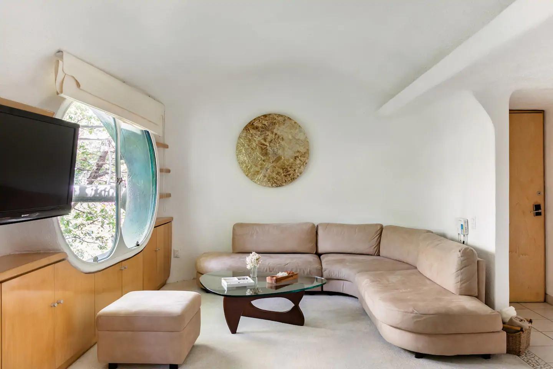«Гнездо Кетцалькоатля» можно снять через Airbnb (галерея 9, фото 0)