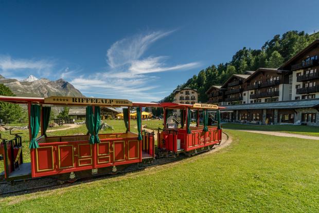 Пять причин отправиться этим летом в швейцарский отель Riffelalp Resort (фото 4)