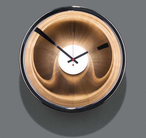 Успеть до полуночи. Дизайнерские настенные часы для встречи Нового Года фото [2]