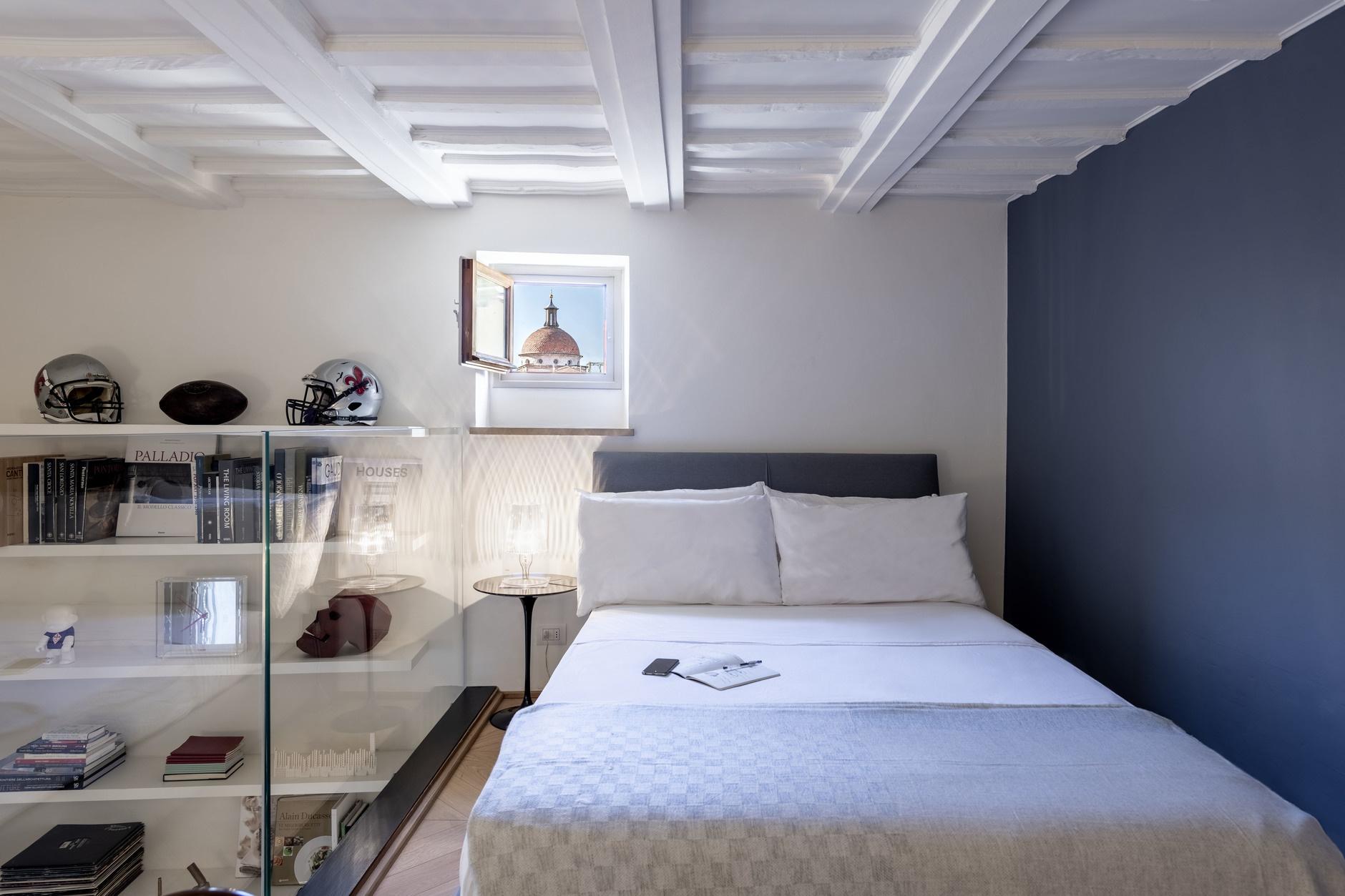 Спальня в стиле лофт: кровати на антресоли (галерея 0, фото 0)