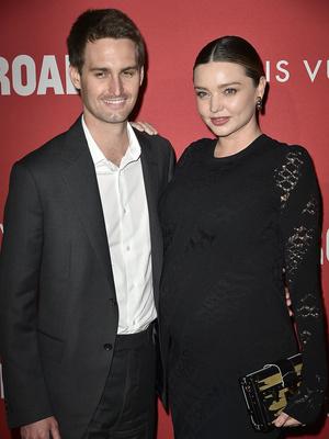 Фото дня: беременная Миранда Керр и Эван Шпигель в Лос-Анджелесе (фото 4)