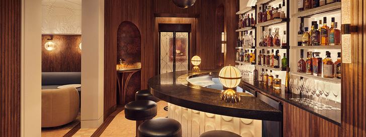 Элитный бар с настенной росписью в Лондоне (фото 8)