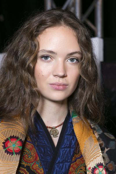 Бьюти-тренды осень-зима 2017/18: волосы | галерея [6] фото [2]