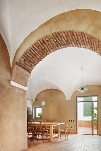 Домик в деревне: гестхаус в Испании от студии Lucas y Hernandez-Gil (фото 3.2)