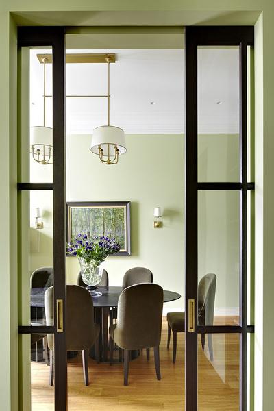 Cтоловая в интерьере, оформленном декоратором Ксенией Коссой.