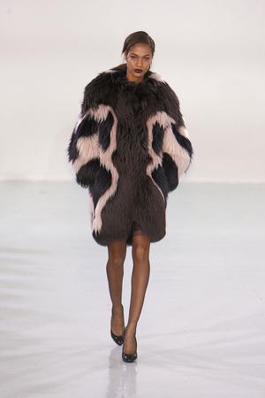 Показы мод Antonio Berardi Осень-зима 2010-2011 | Подиум на ELLE - Подиум - фото 2798
