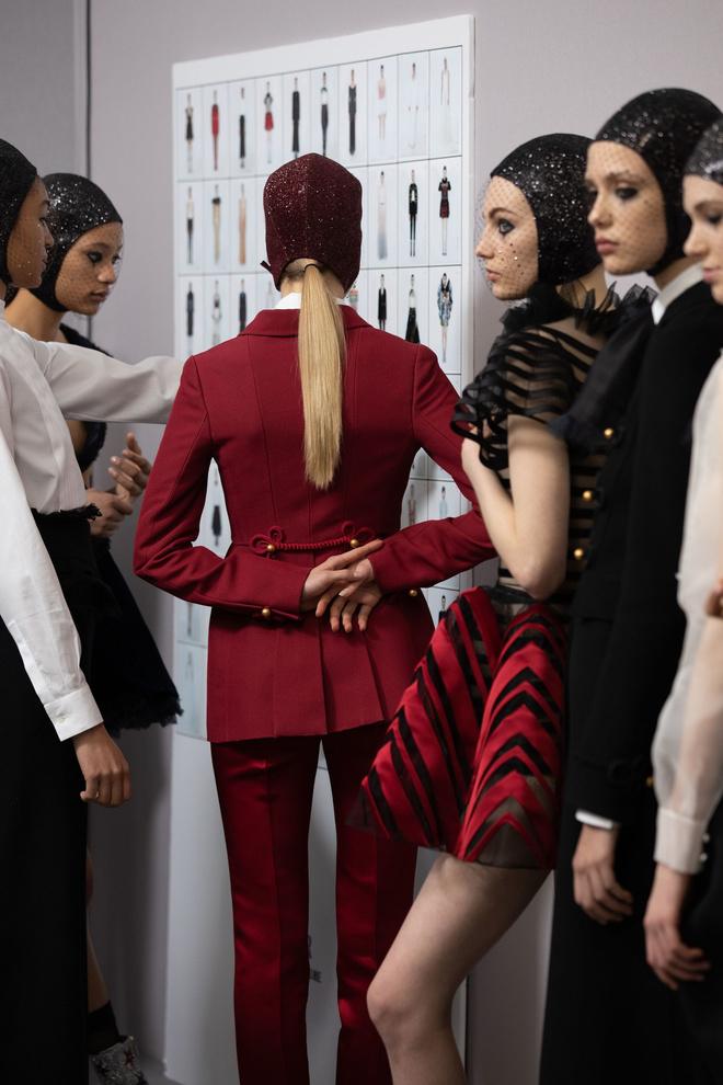 За кулисами: как создавалась кутюрная коллекция Dior SS 2019 (фото 0)